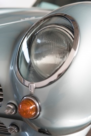 Aston-Martin-DB6-04