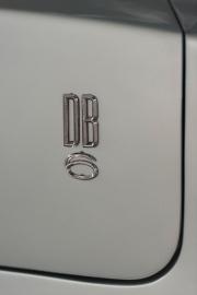 Aston-Martin-DB6-11