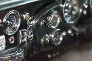 Aston-Martin-DB6-12