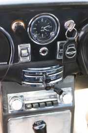 Aston-Martin-DB6-21