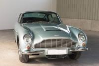Aston-Martin-DB6-01