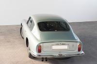Aston-Martin-DB6-02