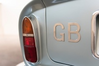 Aston-Martin-DB6-03