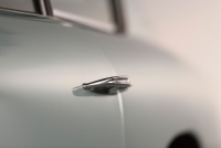 Aston-Martin-DB6-06