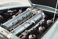 Aston-Martin-DB6-17