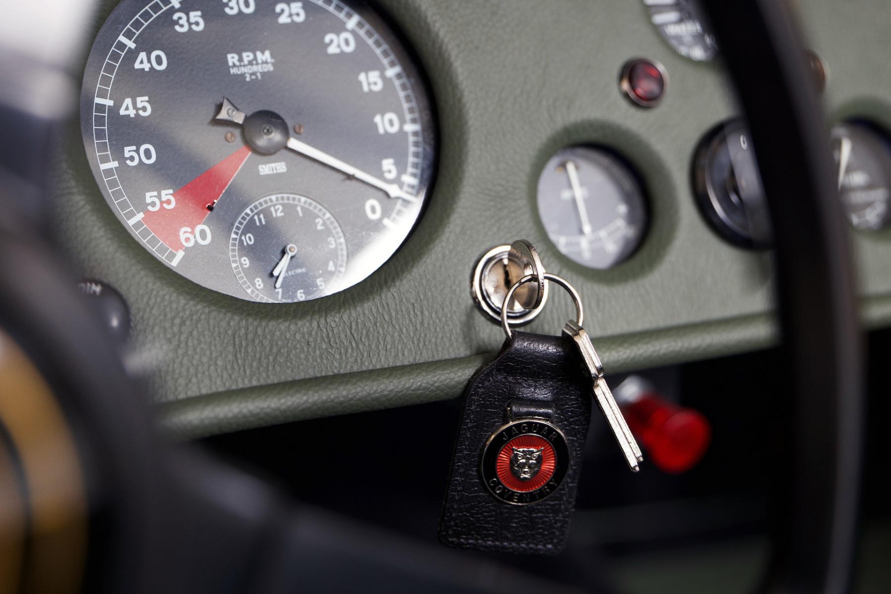 Jaguar-XK-140-04