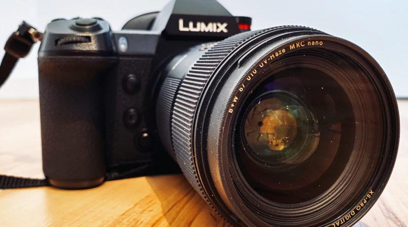 Panasonic Lumix S1 mit Sigma 35mm F1,4 DG HSM und montiertem UV-Filter