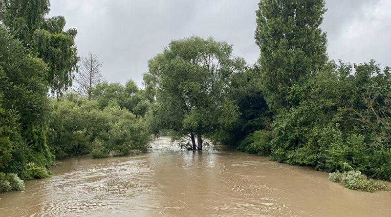 Hochwasser im Aischgrund in Hallerndorf